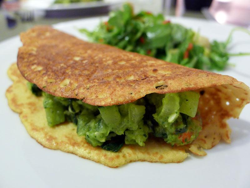 Gefuellte-Kokos-Crepes-mit-Zucchini1