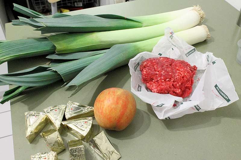 Kaesesuppe-mit-Lauch-und-Apfelcroutons-Zutaten