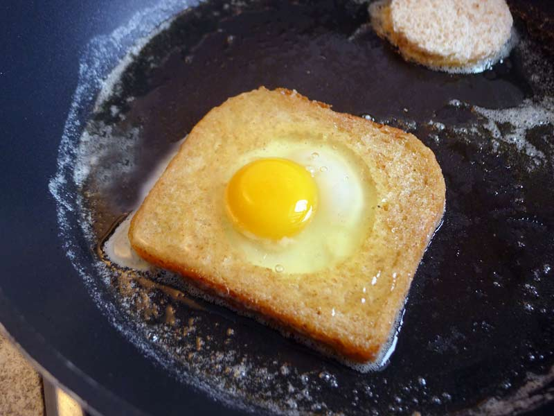Egg-in-Basket-Ei-eingefuellt