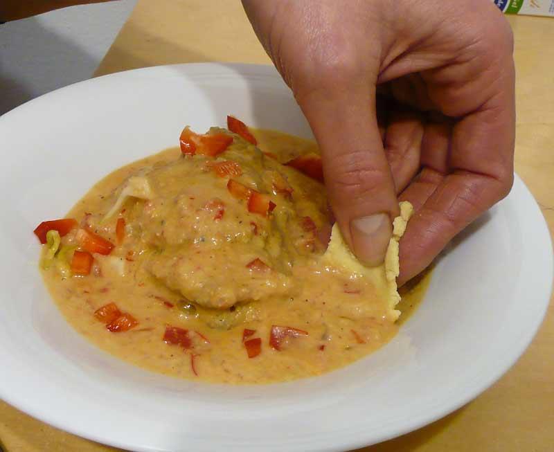 Hühnchen-in-Erdnuss-Soße-mit-Fufu