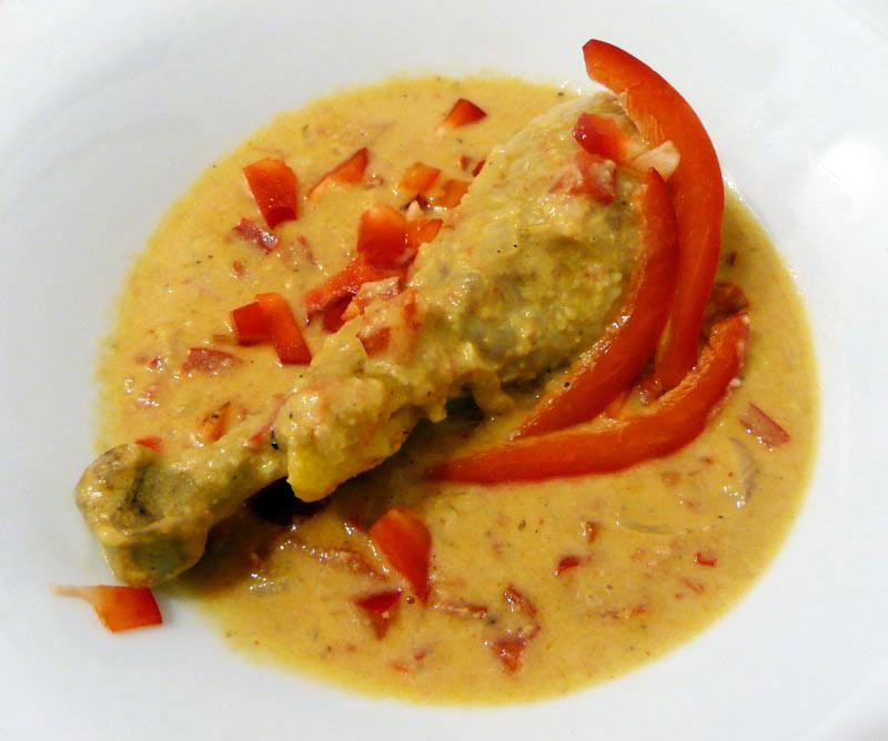 Hühnchen-in-Erdnuss-Soße