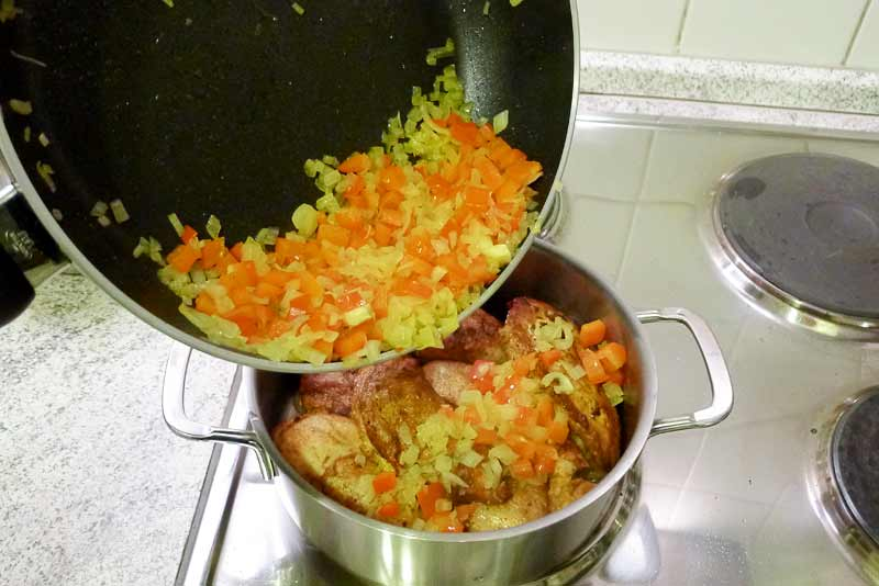 marokkanisches-Huhn-mit-Salzzitronen-angebratenes-Gemuese1