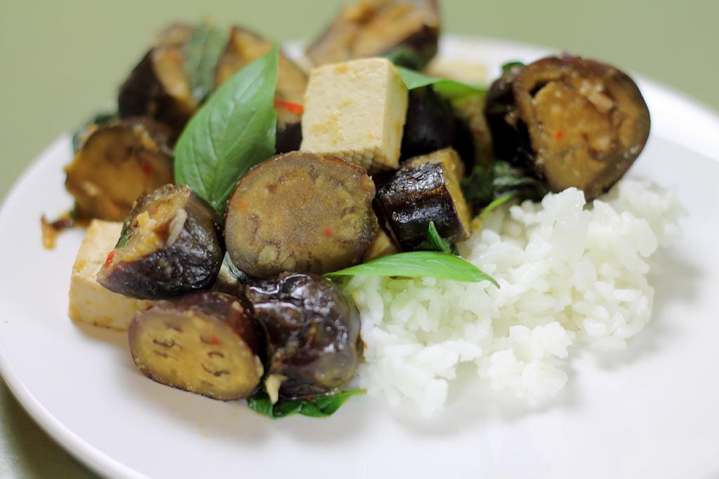 Auberginen-mit-Tofu
