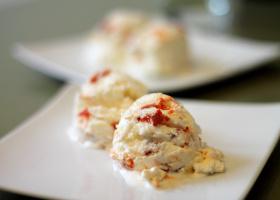Zitroneneis mit Goji-Beeren