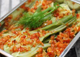 Fenchel mit Tomaten-Weißwein-Salsa