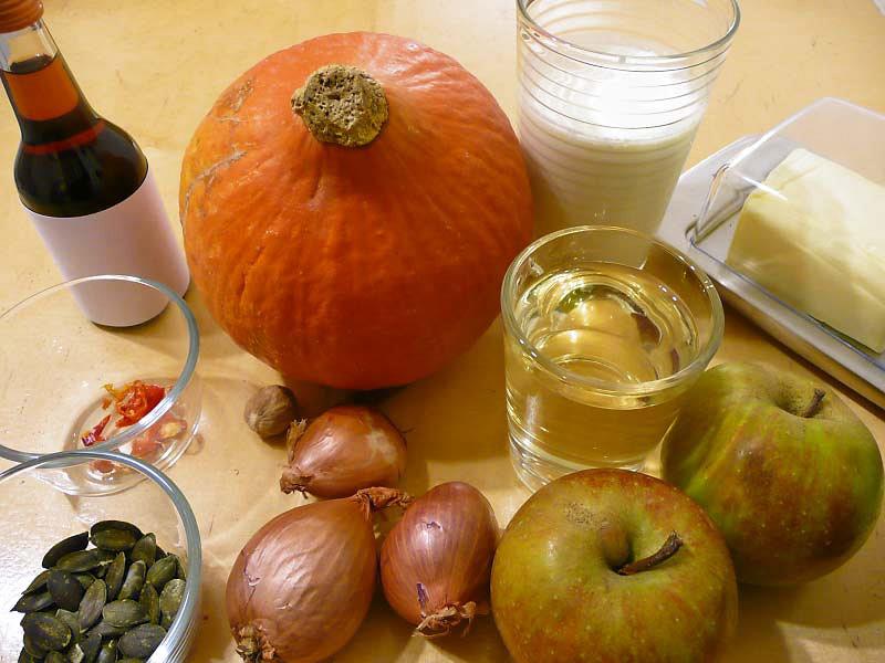 Kuerbis-Apfel-Suppe-Zutaten