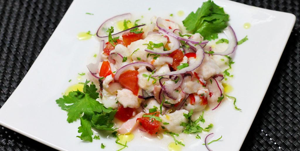 Ceviche-aus-Fischfilet-und-Pulpo