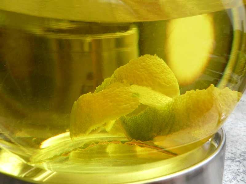 Zitronen-Lorbeertee-in-Kanne2