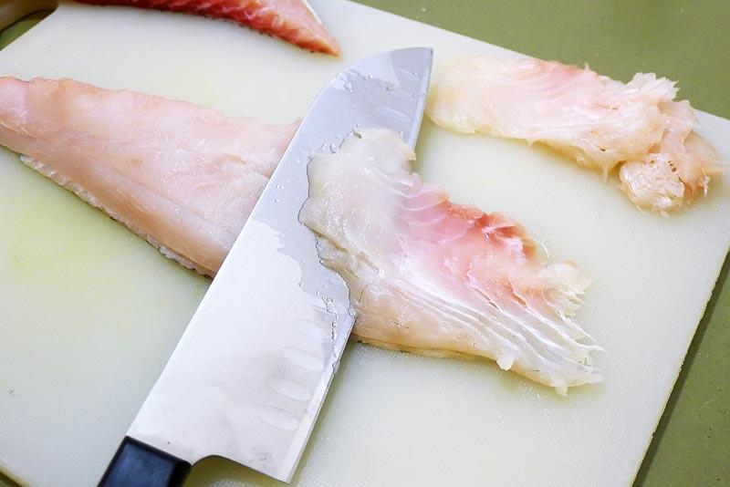 Fisch-Chips-Fisch-schneiden1