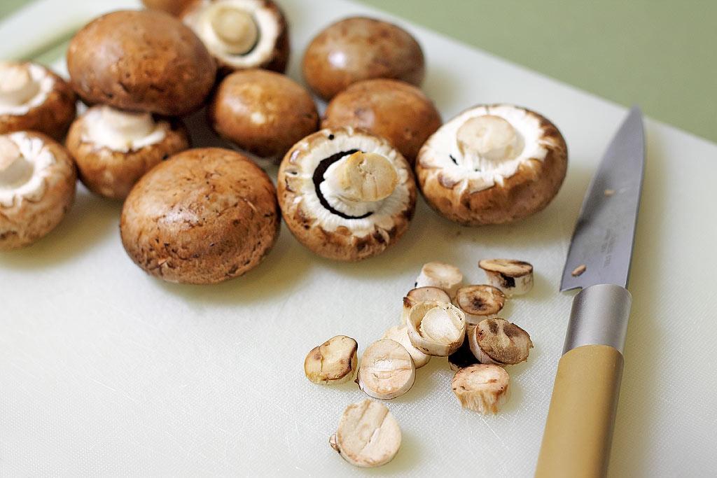 Champignons-Jahrmarkt-Style-Pilze-vorbereiten