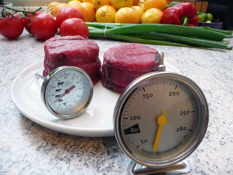 rinderfilet-und-thermometer