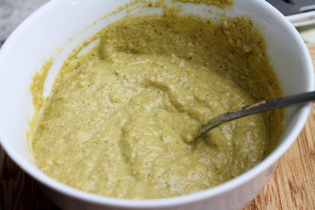 Zucchini-mit-Erdnuss-Sosse-fertige-Sosse