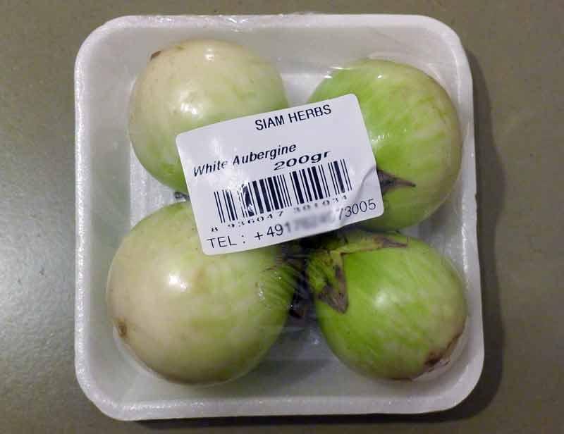 thai-curry-fuer-einsteiger-zutaten-kleine-auberginen