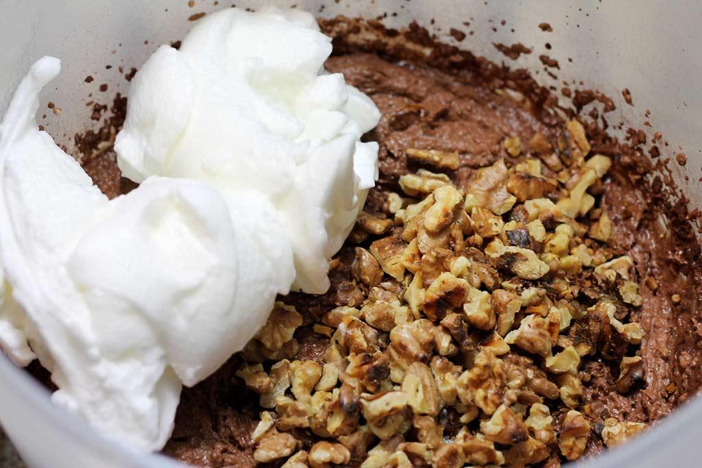 Low-Carb-Brownies-alle-Zutaten-mischen