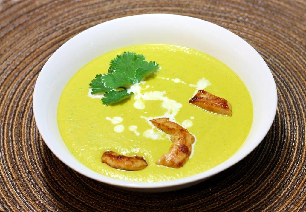 Mandel-Huehnchen-Suppe