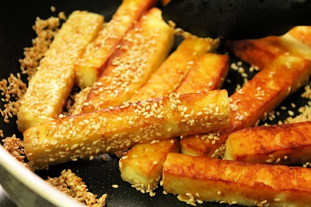 Paneersticks-mit-Sesam