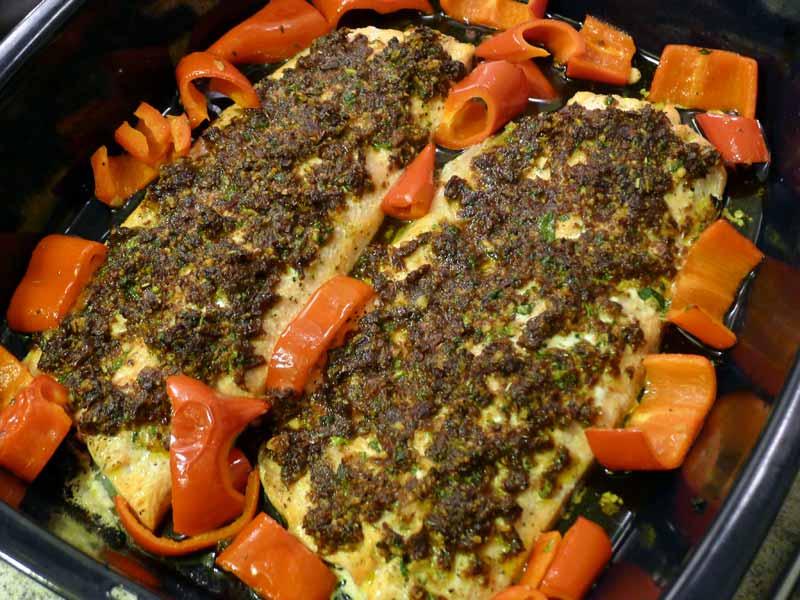 lachsforelle-mit-fenchel-und-tomatenkruste-belegen