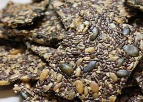 Veganes Knäckebrot aus Samenkörnern – ohne Mehl