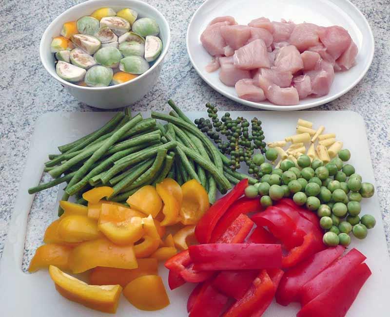 dschungel-curry-zutaten-zerkleinert