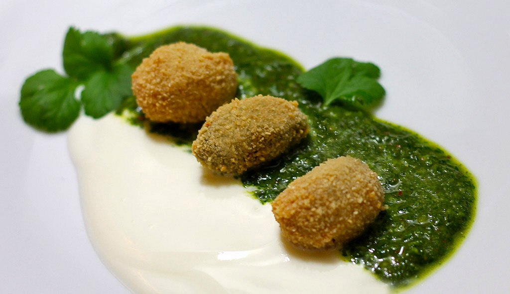 Oliven-in-Mandelpanade