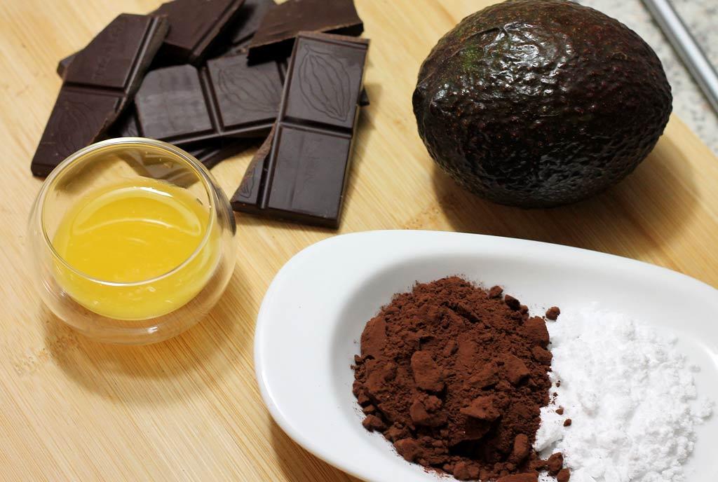 Avocado-Schoko-Trueffel-Zutaten